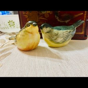 Vintage Kitchen - Sweet Bird Salt and Pepper Shakers